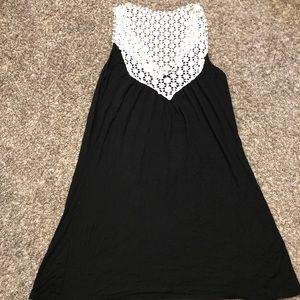 Kenneth Cole Reaction Dresses - Flowy summer Kenneth Cole top perfect for many